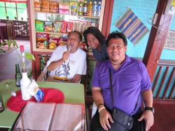 フィリピンのロハス港の職員